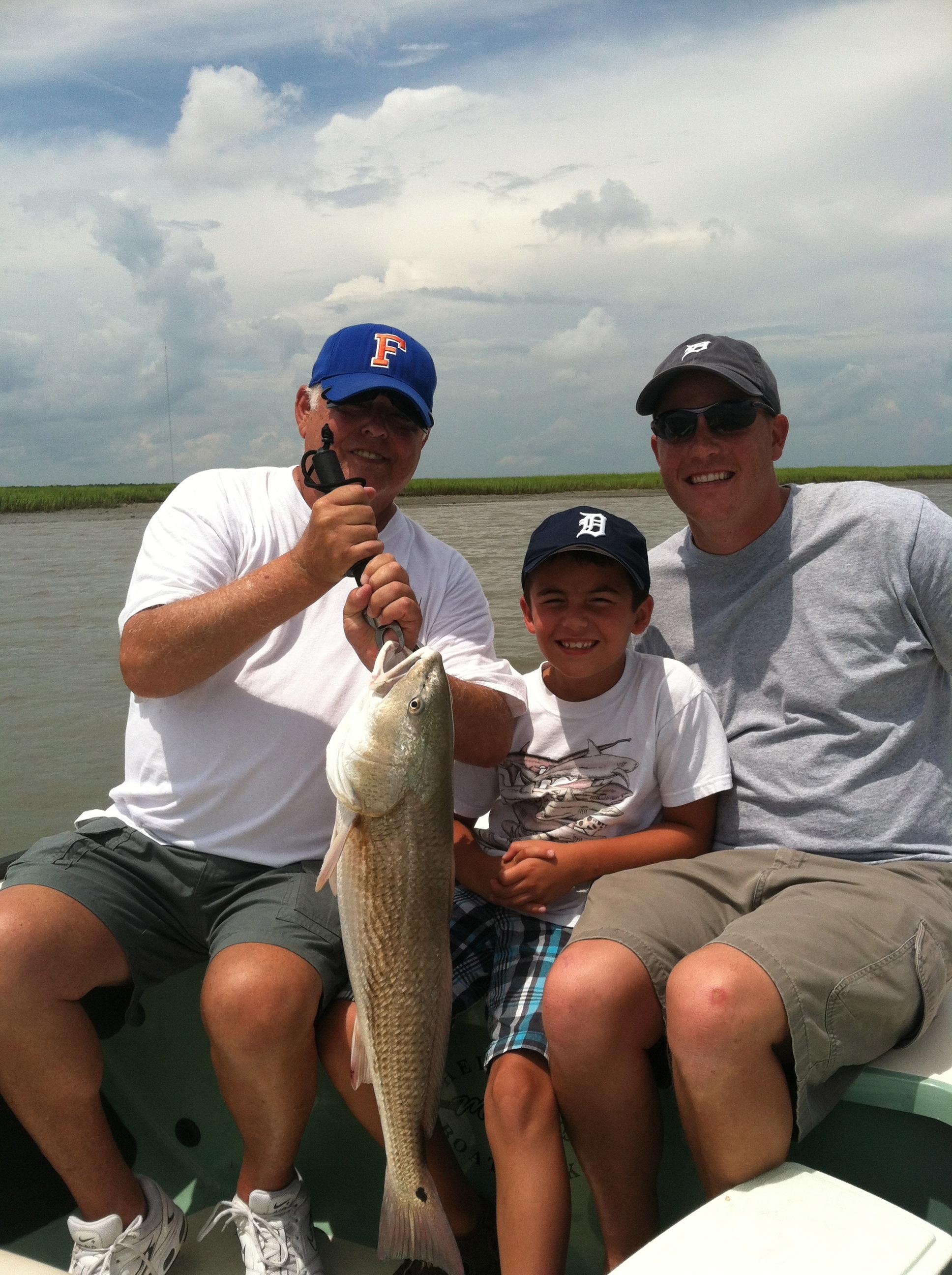 Charleston red fishing headshaker charters for Charleston charter fishing